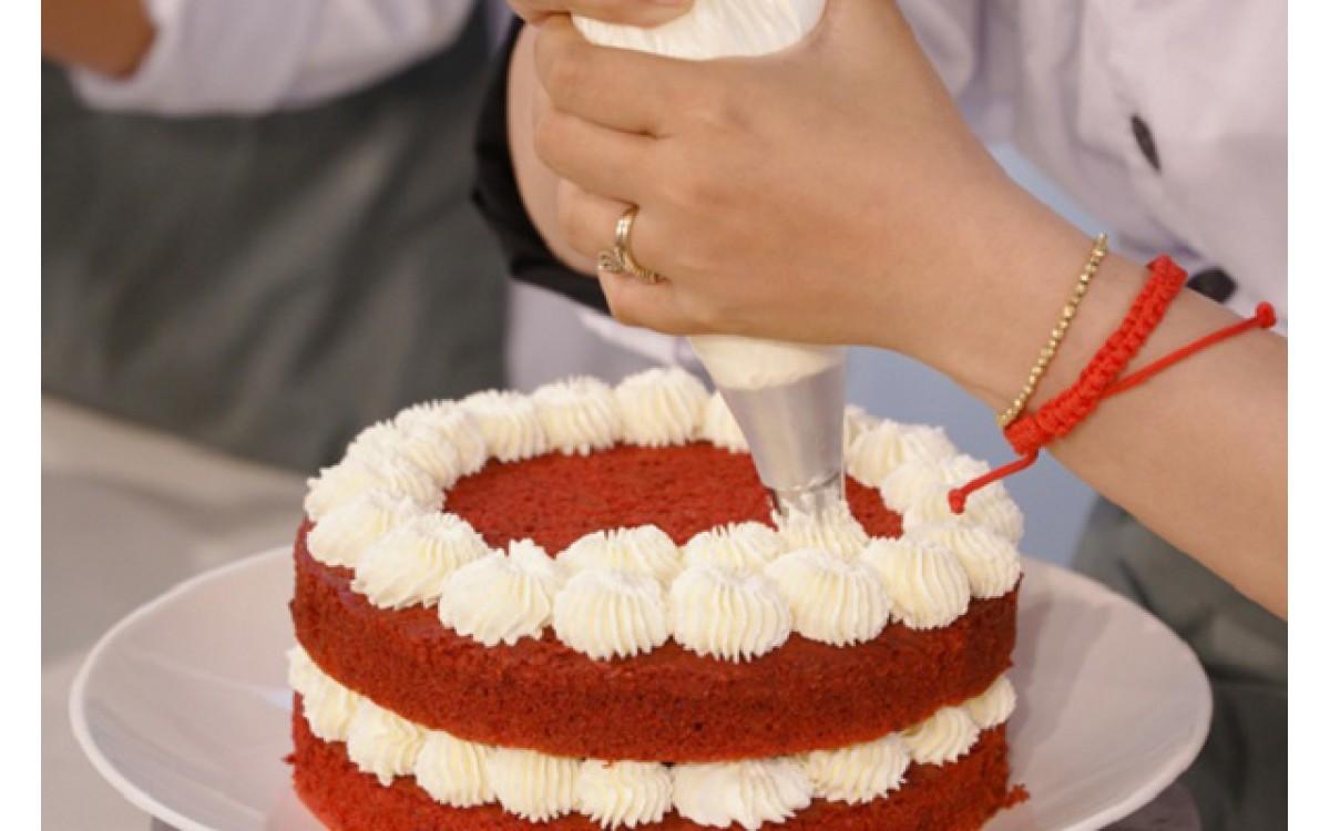 Bật mí công thức làm bánh kem siêu đơn giản tại nhà